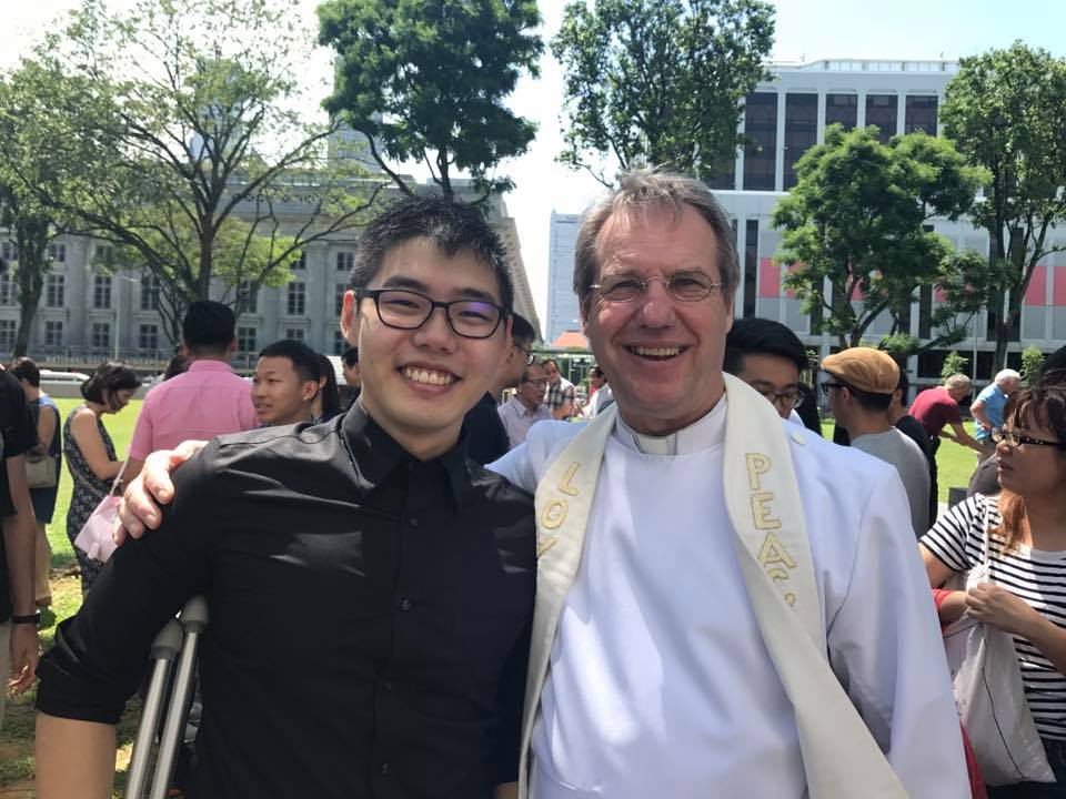 Leonard with Revd Peter Cook. Photo credit: Geraldine Lau